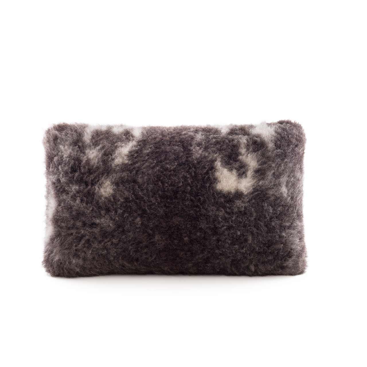 woola_exotic_sheepskin_cushion_rectangle