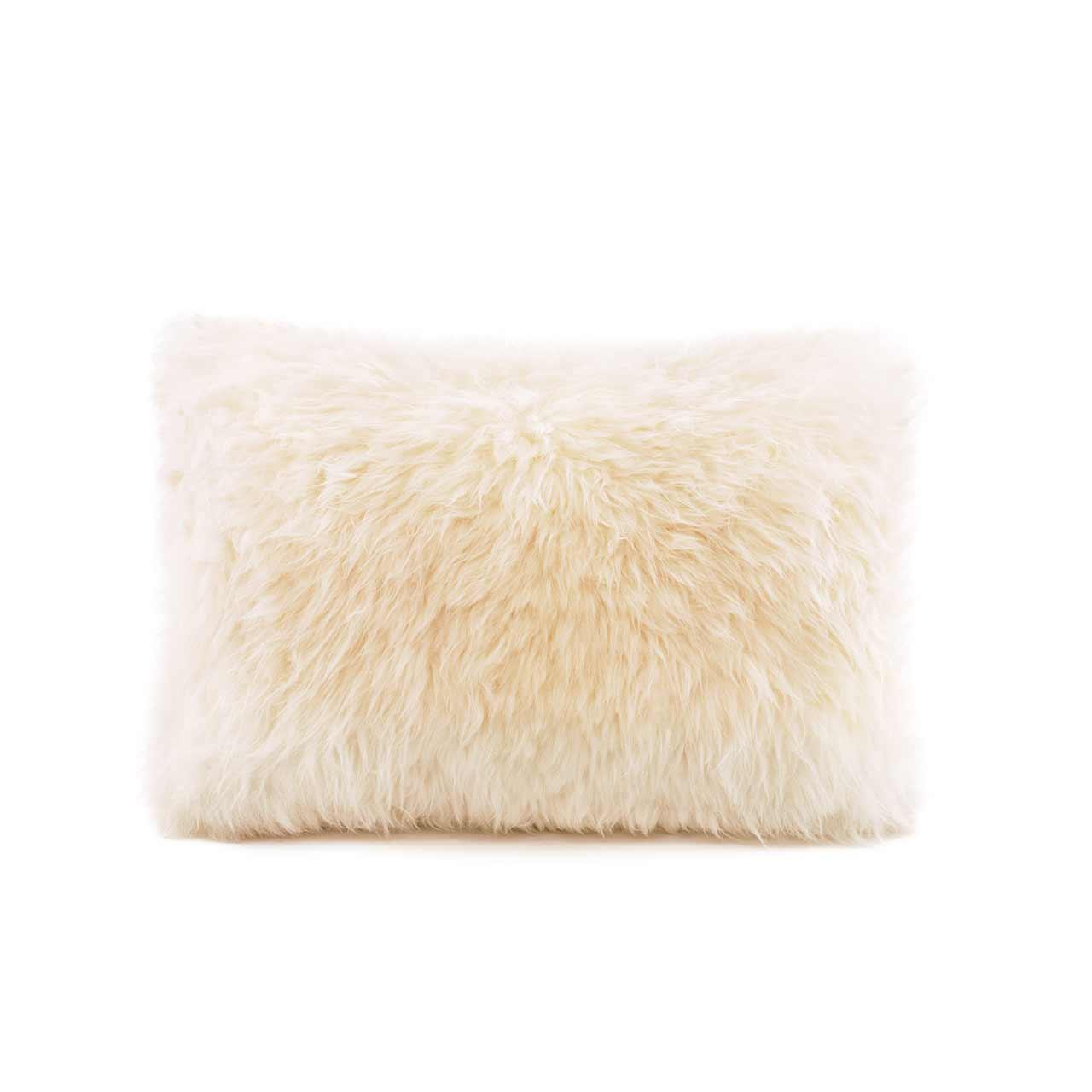 woola_long_wool_sheepskin_cushion_natural_rectangle